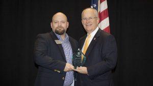 Bruce Cavitt receives Staff Excellence in University Service Award