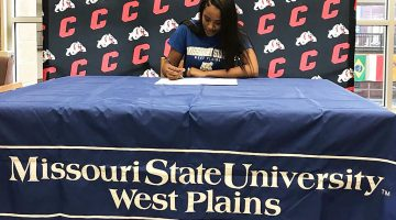 Grizzly Volleyball team signs hitter from Springfield Central